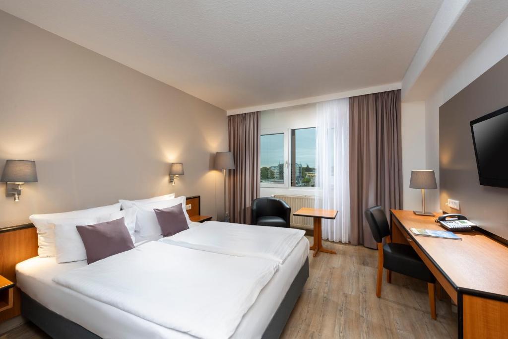 Daphne Hotel Apartments